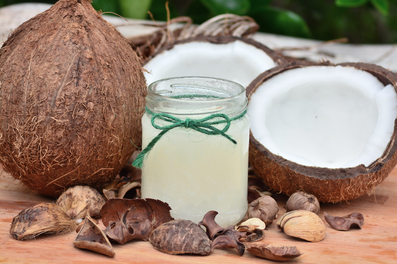 Olej kokosowy niezdrowy jak smalec
