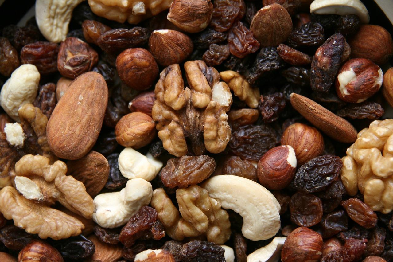Dlaczego watro jeść orzechy … nie tylko w święta?